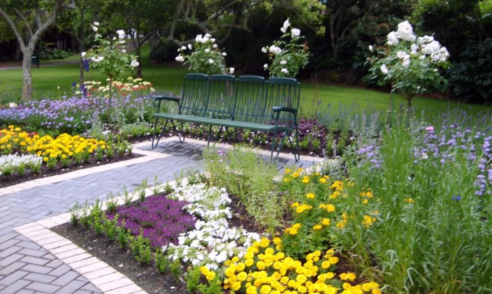 Artisans paysagistes jardiniers professionnels de for Jardiniers paysagistes